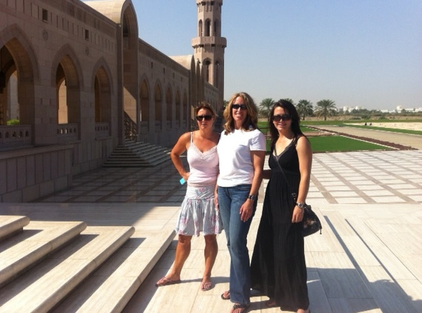 katie-mary-and-hannah-at-grand-mosque